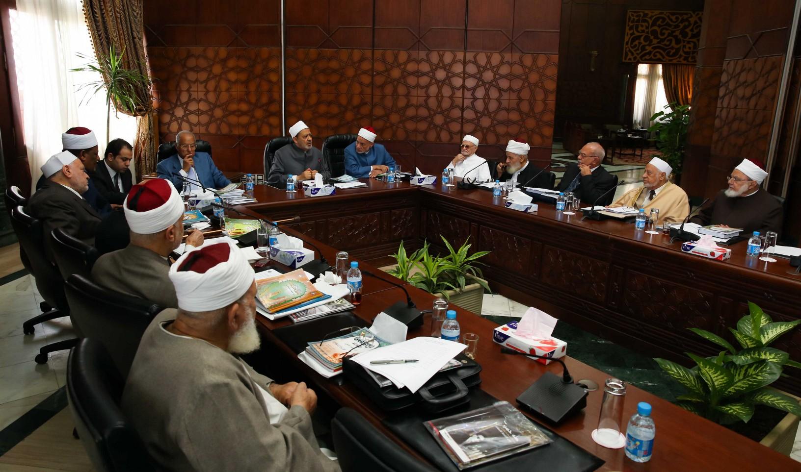 هيئة كبار العلماء المصرية تحذر Azhar-21.9-31.jpg